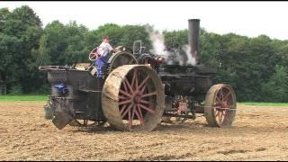 getlinkyoutube.com-Dampf -Traktor pflügt - Steam Tractor plowing