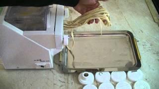 getlinkyoutube.com-Παρασκευαστής ζυμαρικών Camelot - Σπιτικά ζυμαρικά