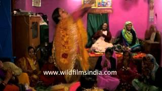 getlinkyoutube.com-In a trance in a Himalayan village