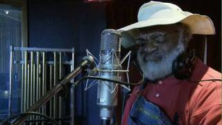 getlinkyoutube.com-Sugar Sweet | Grandpa Elliott | Playing For Change