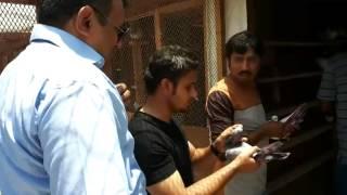 getlinkyoutube.com-Shakeel bhai ki chat par shok kartay howay pigeon