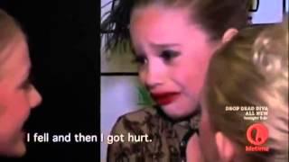 getlinkyoutube.com-Mackenzie falls and gets comforted