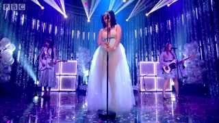 getlinkyoutube.com-Charli XCX - Boom Clap - Top of the Pops - BBC One