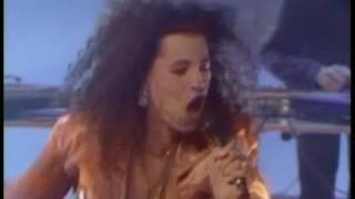 getlinkyoutube.com-Neneh Cherry - Buffalo Stance (TOTP)