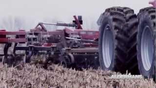 getlinkyoutube.com-CaseIH Ecolo-Till 870 running in corn stubble.