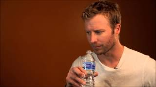 getlinkyoutube.com-Dierks Bentley Answers 10 Quick Quirky Questions