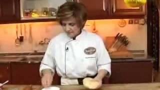 getlinkyoutube.com-فطيرة التفاح من حورية المطبخ ج1   YouTube