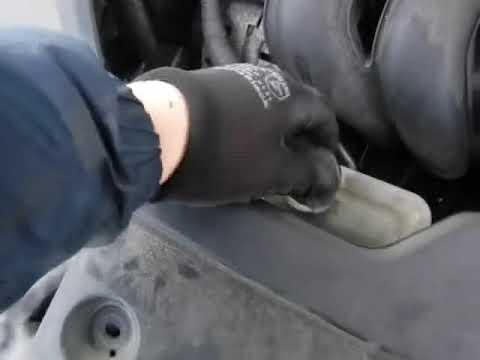 Где находится ручник у Pontiac Vibe