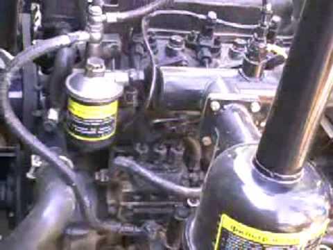 Заміна масла в тракторі донфенг 244
