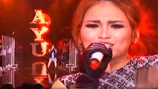 getlinkyoutube.com-Ayu Ting Ting & JKT48 - Sambalado [RCTI 27th Anniversary Celebration]