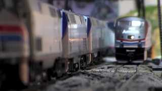 getlinkyoutube.com-Some of My HO Scale Amtrak Trains In Action! 8.11.14
