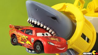 getlinkyoutube.com-Rescue Shark Ship Mission Marine Matchbox With Disney Cars Lightning McQueen Paw Patrol Pup