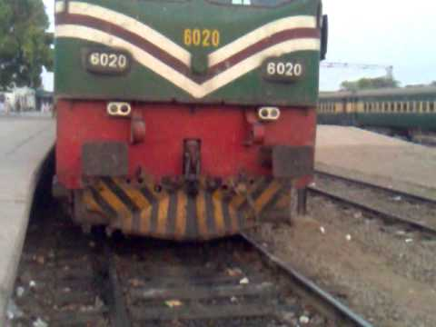 Pakistan Railways AGE-30 6020 AT khanewal with 41 UP karakrum Express