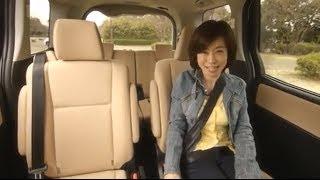 getlinkyoutube.com-特別動画 トヨタ ノア ハイブリッド VS 日産 セレナ ライダー(シートアレンジ、居住性編)