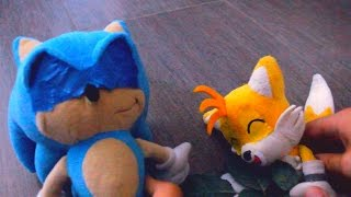 getlinkyoutube.com-Sonic Plush: Sonic Tickles Tails