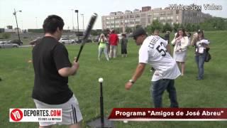 Jose Abreu lanza el programa comunitario  Amigos de José Abreu