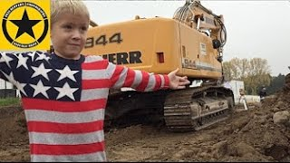 getlinkyoutube.com-VOLVO 360 Boy(4) operates heavy duty excavator on his 4th Birthday!