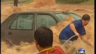 getlinkyoutube.com-Enchente em Rio Preto 07/10/09 - Jornal Nacional