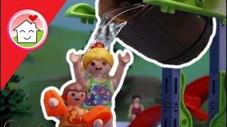 getlinkyoutube.com-Playmobil Film deutsch Das Wasserfass im Aquapark / Kinderfilm / Kinderserie von family stories