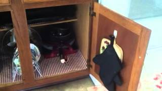 getlinkyoutube.com-Small kitchen tour and organization