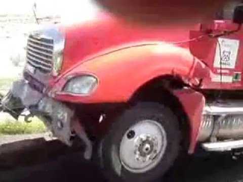 Accidente De Trailer, carambola Camino A Torreon