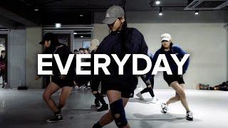 getlinkyoutube.com-Everyday - Ariana Grande / Sori Na Choreography