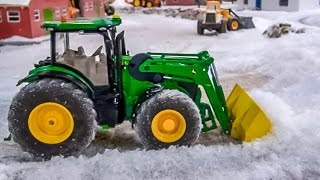 getlinkyoutube.com-RC tractor John Deere front loader tractor playing in the snow! Siku Control fun!