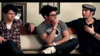 getlinkyoutube.com-Jonas Brothers Talk about Their Church!