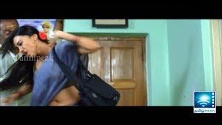 getlinkyoutube.com-Producer attempting to seduce Sanakhan | Nadigaiyin Diary