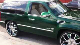 getlinkyoutube.com-CADILLAC ESCALADE PLATINUM CUSTOM 2 DOOR  28''  30'' RIMS  4 L7 15'' CUSTOM CARS