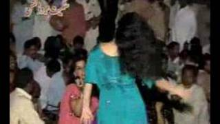 getlinkyoutube.com-nice mujra of mela karsal2007