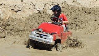 getlinkyoutube.com-MTD Gas Power Wheel Mud Run 2016