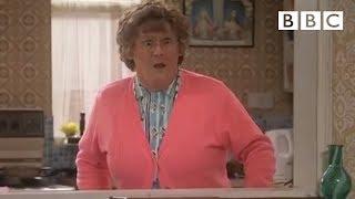 getlinkyoutube.com-Mrs Brown's Misunderstanding - Mrs Brown's Boys - Series 2 Episode 5 - BBC One