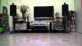 getlinkyoutube.com-B&W 805 Diamond vs Bel Canto eVo2i Generation II CDP + Bel canto CD2