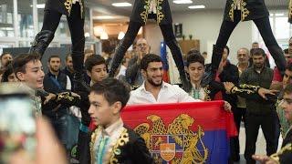getlinkyoutube.com-Армяне Красноярска встречают Миграна Арутюняна – Олимпийского Чемпиона (!) Рио-2016