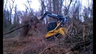 Deere 333D Land clearing