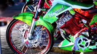 getlinkyoutube.com-Suzuki Belang R150 Motor Show