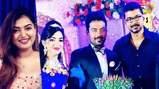 getlinkyoutube.com-Exclusive: Actor Vijay, Nazriya at Pandirajan's son Prithivirajan's Marriage | Wedding Reception