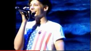 getlinkyoutube.com-LOUIS TOMLINSON BEST SOLO MOMENTS