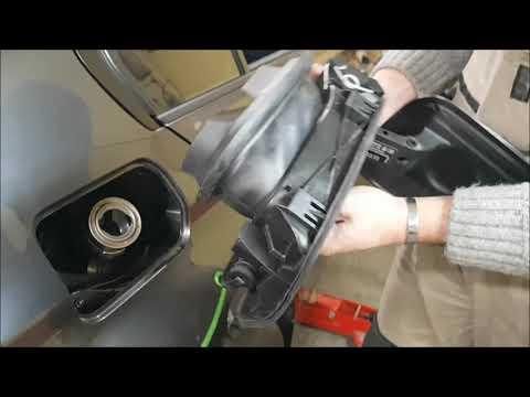 БМВ 3 Как снять лючок бензобака