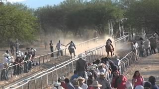 getlinkyoutube.com-Carreras en Calvillo Ags 8/06/2013