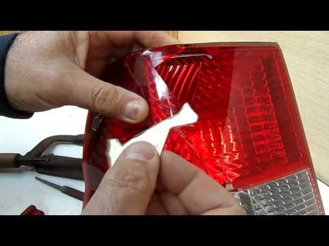 Ремонт заднего фонаря в автомобиле своими руками