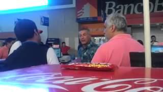 getlinkyoutube.com-Cajera no quiere atender a un cliente con discapac