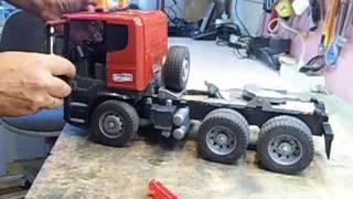 getlinkyoutube.com-RC-Bruder LKW,Scania Tieflader für Bruder-Bagger (Umbau)