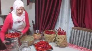 getlinkyoutube.com-Préparation d'Harissa recette Tunisienne. طريقة تحضير الهريسة التونسية