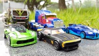getlinkyoutube.com-Transformers Movie 4 Bumblebee Optimus Prime Hound Crosshairs Drift  Robot Car Toys 트랜스포머 장난감 변신동영상