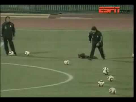 Maradona takes a free kicks at Argentina's training