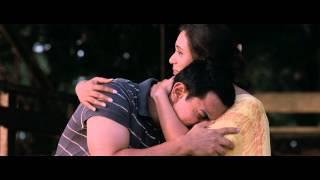 getlinkyoutube.com-Rani Mukherjee Sexy Show from Talaash - HD