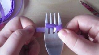 getlinkyoutube.com-Como hacer un lazo con la ayuda de un tenedor.
