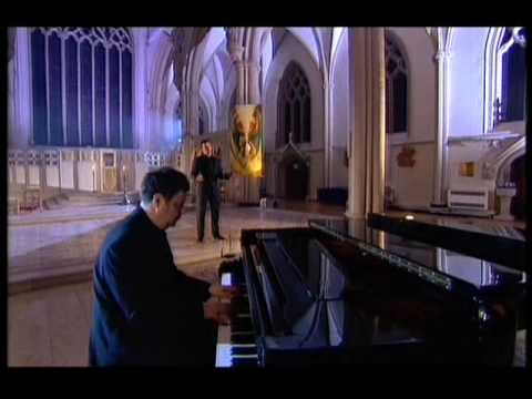 """Russell Watson sings """"You Raise Me Up"""""""
